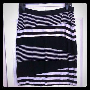 🖤 LIKE NEW 🖤 Black & White Striped Pencil Skirt